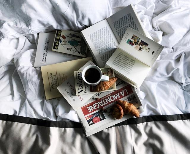 Lit - Hôtel Vialatte-Un texte Un jour